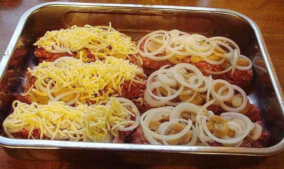 sahneschnitzelrezept ,schnitzelmit mettim backofen ,zwiebelsahneschnitzel ,omassahneschnitzel ,schnitzel hackfleisch blech ,überbackenessahneschnitzel ,chefkochsahneschnitzel ,zwiebel-sahne-schnitzelüberbacken
